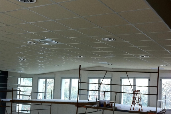 plafonds-laine-de-roche-lycee-bel-air-fontenay-le-comte-holding-pichaud-vinet361F1292-F379-8429-EFEC-639DC73D85A7.jpg