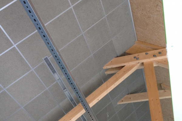 plafonds-suspendus-fibre-de-bois-centre-de-decouverte-beautour-ossature-sliver-et-organic-graphite-holding-pichaud-vinet6BCAE279-EF43-8043-2DE1-50AD939D6D97.jpg