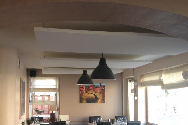 corrections-acoustiques-restaurant-le-bistronome-st-hilaire-de-loulay-solo-holding-pichaud-vinetDBC665F1-DF4C-43C2-86CD-CBA4779CFAF8.jpg