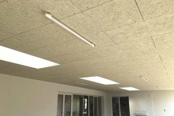 plafonds-fibre-de-bois-organic-pure-fixation-mecanique-visible-holding-pichaud-vinet1AB03CA2-2F77-D841-D8AD-6941DE2DDC07.jpg
